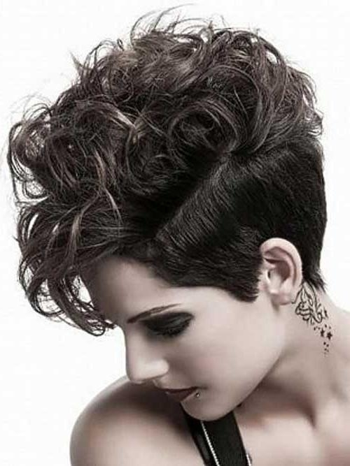 25 Best Short Haircuts For Curly Hair   Short Hairstyles 2016 In Short Hairstyles For Ladies With Curly Hair (View 7 of 15)