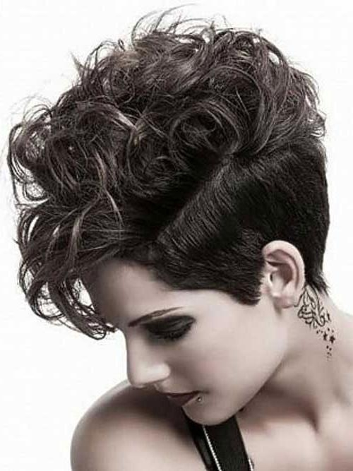 30 Easy Short Hairstyles For Thick Wavy Hair – Cool & Trendy Short Throughout Short Hairsyles For Thick Wavy Hair (View 7 of 15)