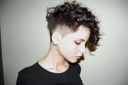 30 Short Hairstyles To Suit The Modern Mum – Stay At Home Mum Throughout Short Curly Haircuts Tumblr (View 6 of 15)