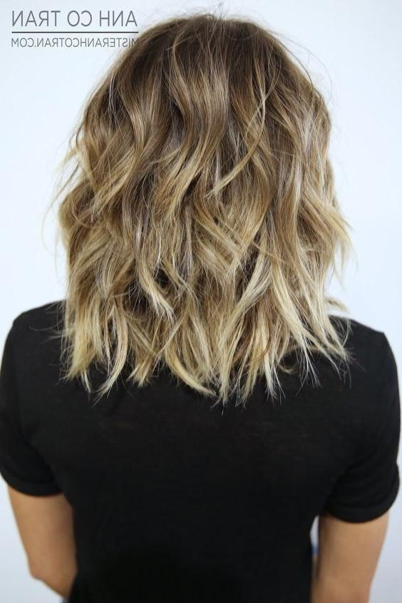 40 Best Short Hairstyles For Thick Hair 2017 – Short Haircuts For Regarding Medium Short Haircuts For Thick Wavy Hair (View 4 of 15)