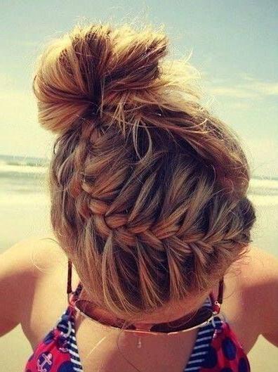 Best 10+ Beach Hairstyles Ideas On Pinterest   French Braid Regarding Beach Hairstyles For Short Hair (View 13 of 15)