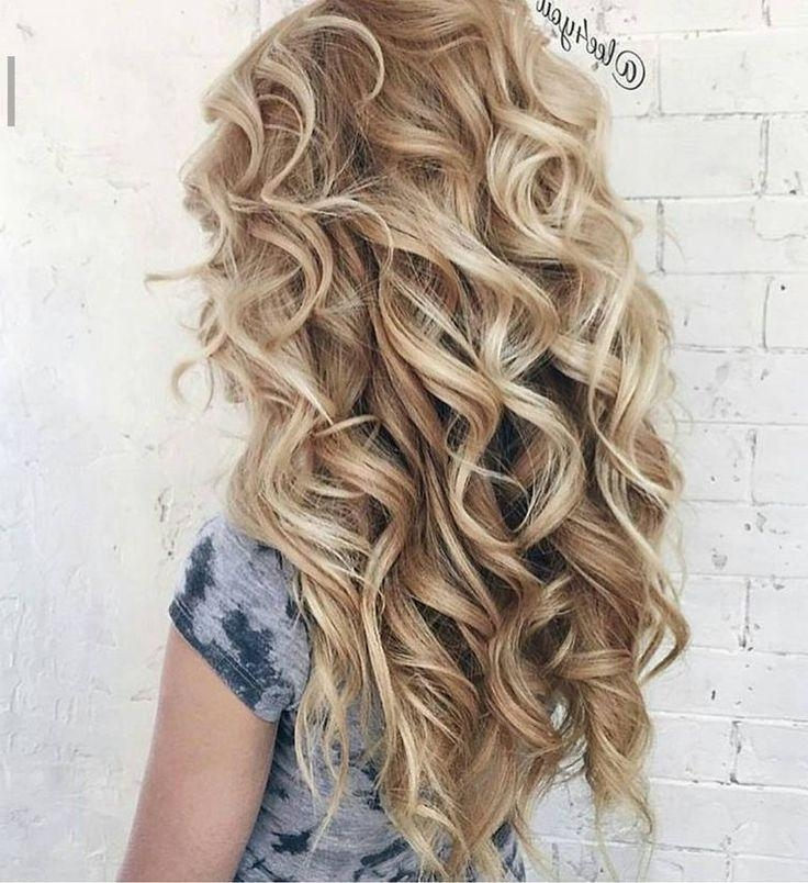 Best 10+ Graduation Hairstyles Ideas On Pinterest | Hair Styles Regarding Cute Hairstyles For Short Hair For Homecoming (View 6 of 15)