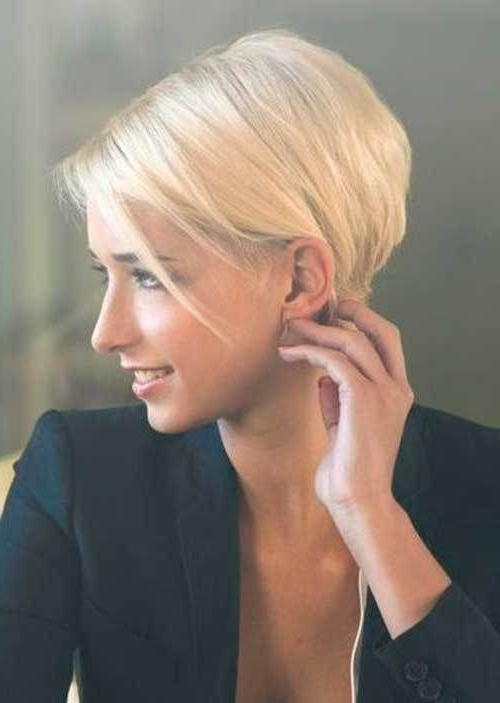 Best 20+ Chic Short Hair Ideas On Pinterest | Short Hair For Women With Regard To Chic Short Haircuts (View 12 of 15)