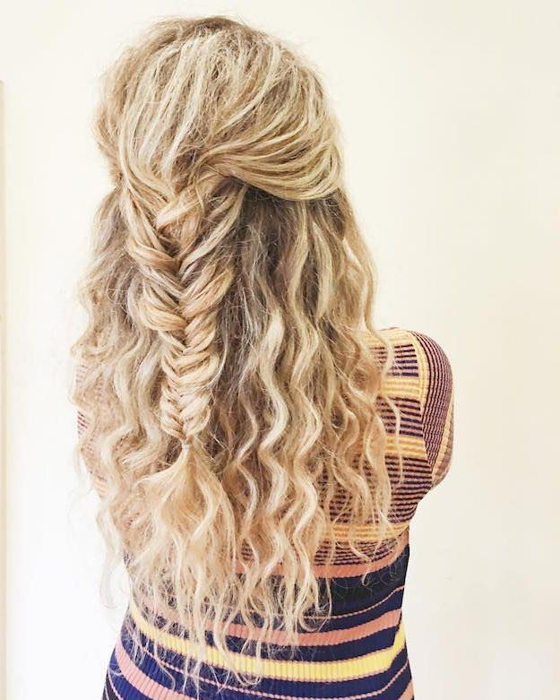 Best 20+ Curly Homecoming Hairstyles Ideas On Pinterest | Curly Regarding Homecoming Short Hair Styles (View 8 of 15)