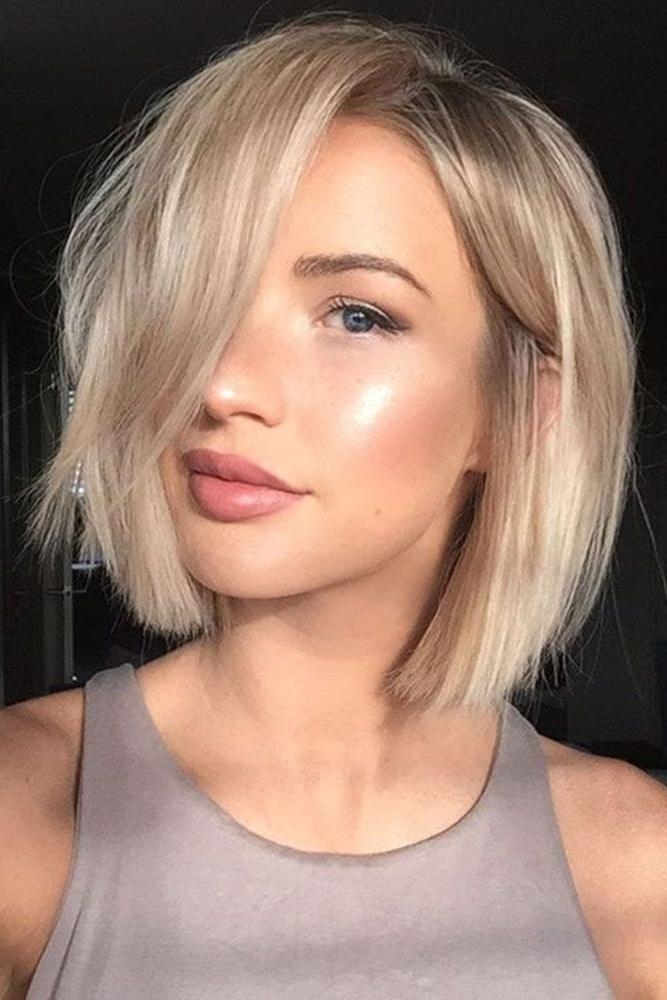 Best 20+ Medium Short Hairstyles Ideas On Pinterest | Short Hair Throughout Short To Medium Hairstyles For Thick Hair (View 4 of 15)