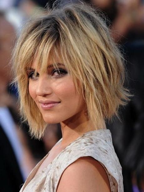 Best 25+ Medium Hairstyles With Bangs Ideas On Pinterest Throughout Short To Medium Haircuts (View 10 of 15)