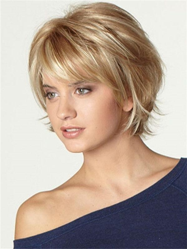 Is a Short Bob with Bangs for You foto