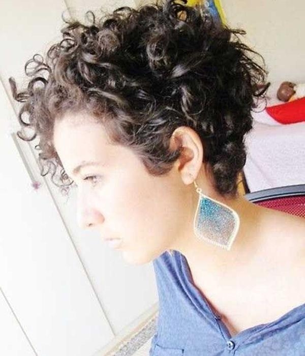 Best 25+ Short Curly Hairstyles Ideas Only On Pinterest | Short Throughout Women Short Hairstyles For Curly Hair (View 11 of 15)