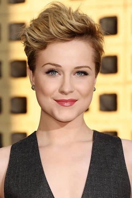 Celebrities Chic Short Haircuts – Hairstyle Again Within Chic Short Haircuts (View 13 of 15)