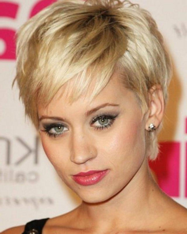 Cute Short Hairstyles For Women Over 40 With Thin Hair For Short Hairstyles For Women Over 40 With Thin Hair (View 9 of 15)