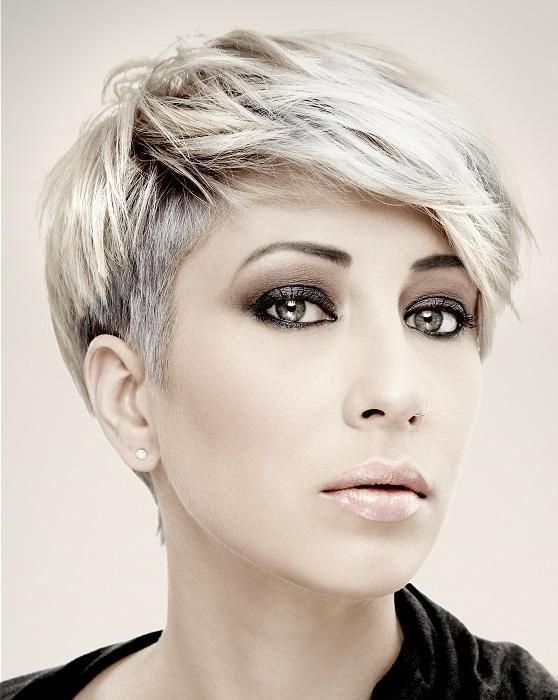 Photo Gallery of Women\'s Short Hairstyles For Oval Faces (Viewing ...