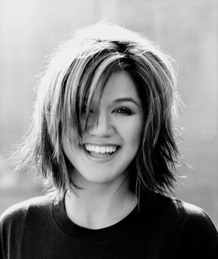 Kelly Clarkson Hairstyle | Hairjos Intended For Kelly Clarkson Short Haircut (Gallery 7 of 15)