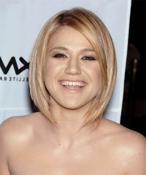 Kelly Clarkson Hairstyles For 2017 | Celebrity Hairstyles For Kelly Clarkson Short Haircut (Gallery 14 of 15)