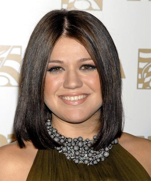 Kelly Clarkson Hairstyles For 2017 | Celebrity Hairstyles In Kelly Clarkson Hairstyles Short (Gallery 12 of 15)