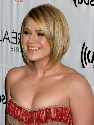Kelly Clarkson With Short Hair Throughout Kelly Clarkson Short Haircut (View 11 of 15)