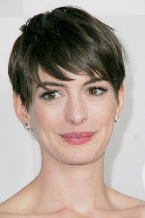 Short Hairstyles For Oval Faces Best Selection – Funky Women Throughout Women's Short Hairstyles For Oval Faces (View 5 of 15)