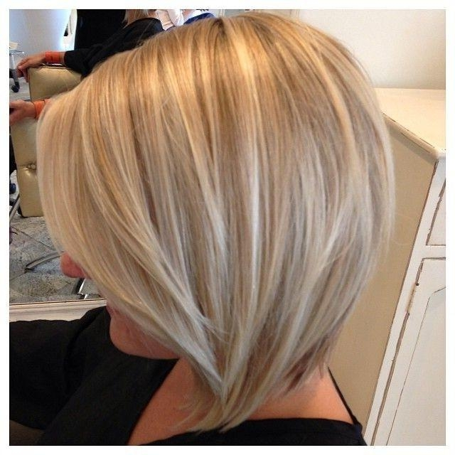 10 Trendy Short Hairstyles For Women With Round Faces (View 2 of 15)