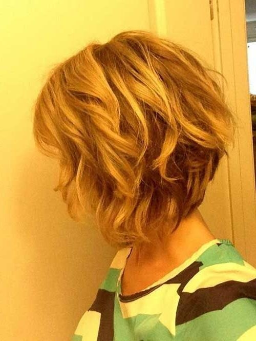 Featured Photo of Wavy Inverted Bob Hairstyles