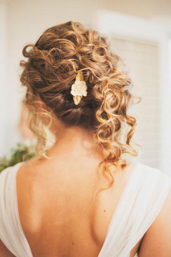 33 Modern Curly Hairstyles That Will Slay On Your Wedding Day | A Throughout Long Curly Hairstyles For Wedding (View 9 of 15)