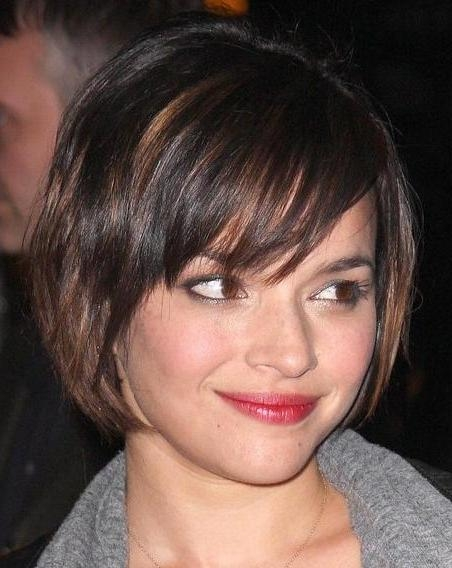 40 Gorgeous Short Hairstyles For Round Face Shapes – Hottest Haircuts With Famous Short Layered Bob Hairstyles For Round Faces (View 12 of 15)