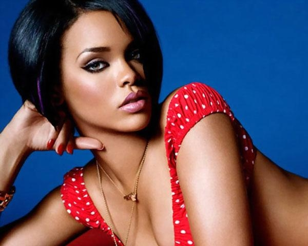 60 Rihanna Hairstyles Which Look Extraordinary – Slodive With Regard To Well Liked Rihanna Bob Hairstyles With Weave (View 14 of 15)