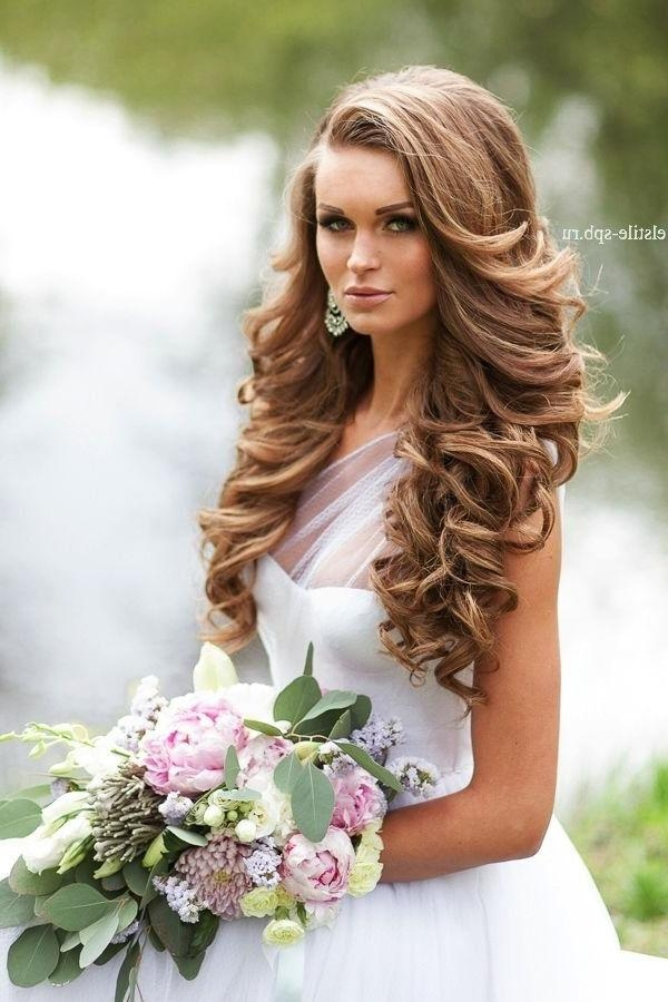 659 Mejores Imágenes De Wedding Bride Looks En Pinterest | Peinado For Long Curly Hairstyles For Wedding (View 8 of 15)