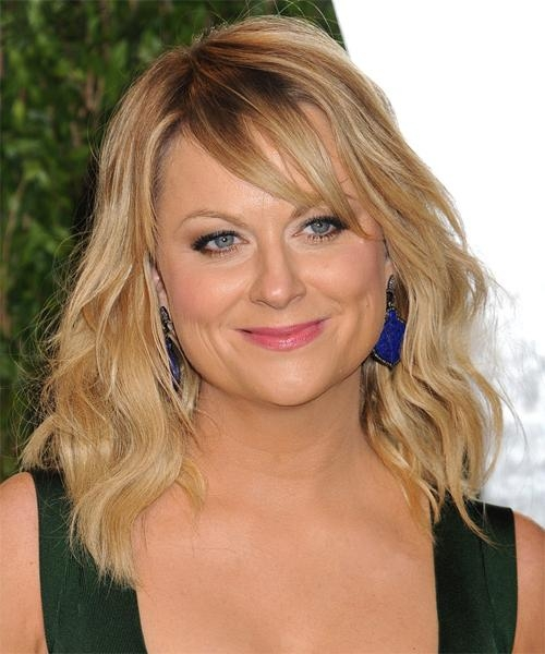 Amy Poehler Medium Wavy Casual Hairstyle – Medium Blonde (Golden Regarding Recent Amy Poehler Bob Hairstyles (View 4 of 15)