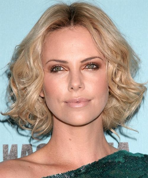 Charlize Theron Medium Wavy Casual Hairstyle Intended For 2018 Charlize Theron Bob Hairstyles (View 6 of 15)