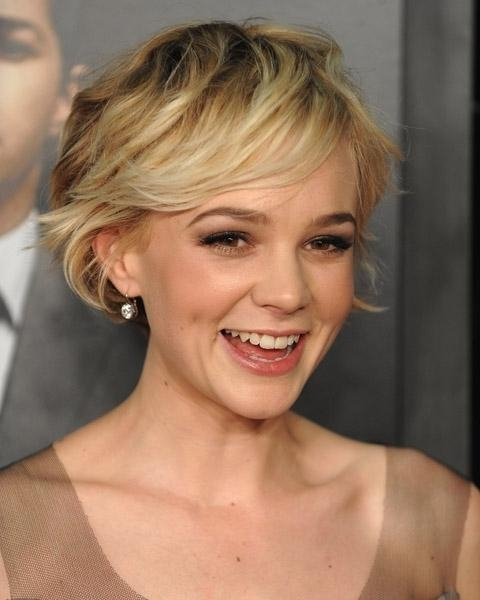 Fashionable Carey Mulligan Bob Hairstyles Throughout Carey Mulligan Best Celebrity Bob Hairstyles (View 5 of 15)