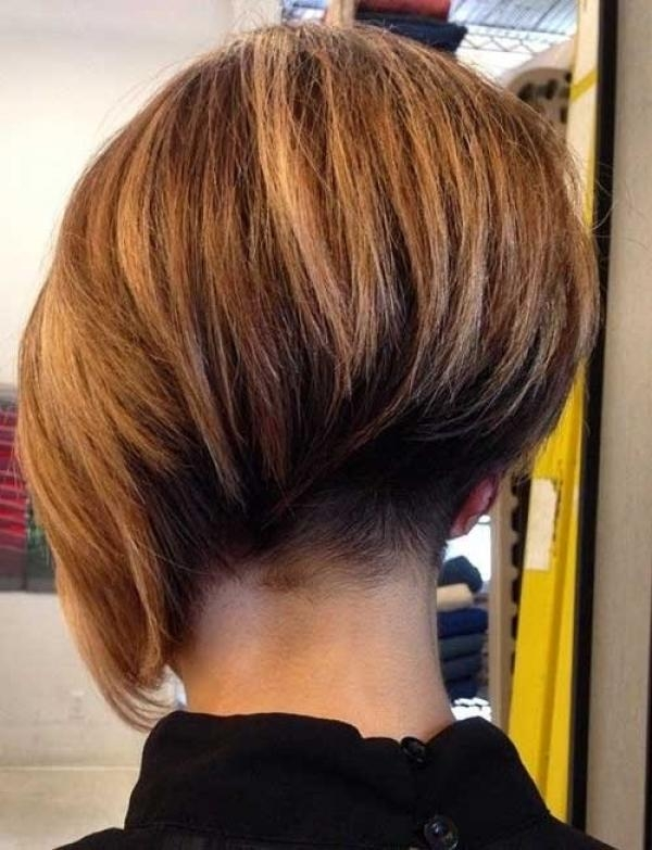 Featured Photo of Asymmetrical Bob Hairstyles Back View
