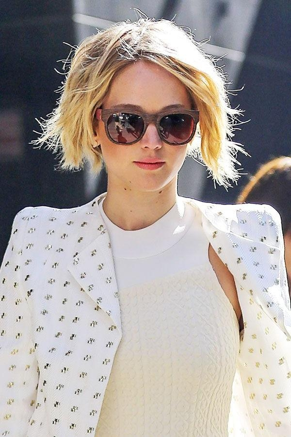 Jennifer Lawrence Short Bob Haircut – Grown Out Pixie Inside Fashionable Jennifer Lawrence Short Bob Haircuts (View 9 of 15)