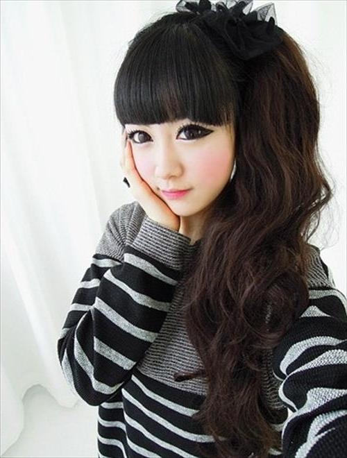 Korean Hairstyles For Girls Having Curly Hairs | Trendyoutlook In Cute Korean Haircuts For Girls (View 14 of 15)