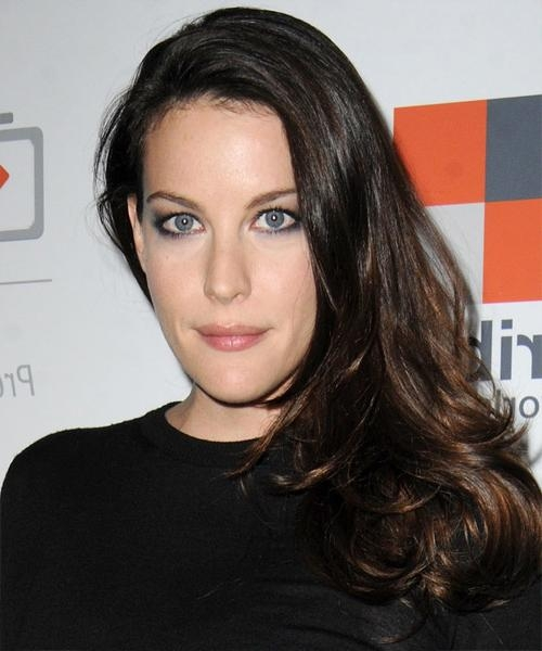 Liv Tyler Hairstyles For Narrow Face Shapes | Thehairstyler Regarding Long Thin Face Hairstyles (View 13 of 15)