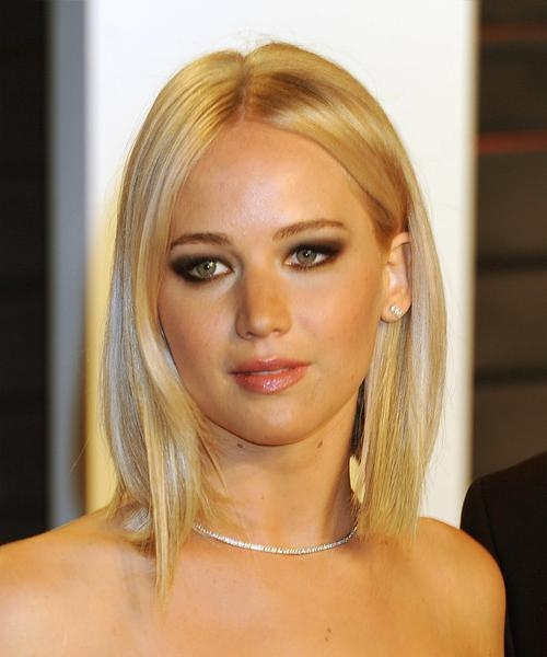 Most Popular Jennifer Lawrence Short Bob Haircuts Inside Jennifer Lawrence Medium Straight Casual Bob Hairstyle – Light (View 7 of 15)