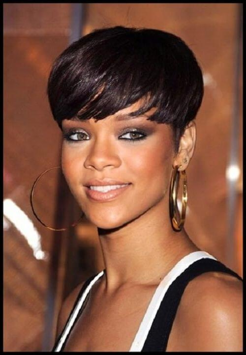 Popular Rihanna Bob Hairstyles With Weave Within 15 Short Weaves That Are Totally In Style Right Now (View 3 of 15)