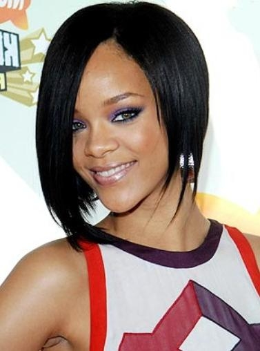 Rihanna Long Bob Hairstyle – Hairstyles Weekly Inside Well Known Rihanna Bob Hairstyles (View 9 of 15)
