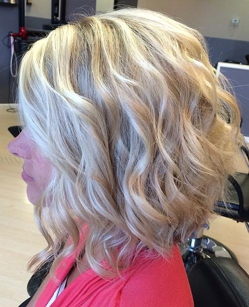 Shoulder Length Wavy Hairstyles – Wavy Long Bob Hairstyle (View 13 of 15)