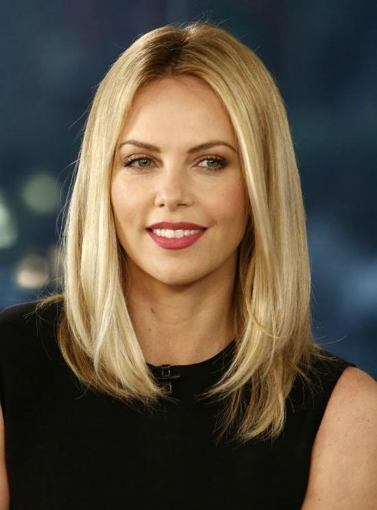 Featured Photo of Charlize Theron Bob Hairstyles