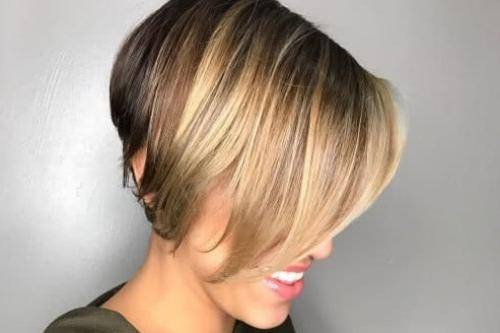 Top 25 Short Bob Hairstyles & Haircuts For Women In 2017 Within Fashionable Short Bob Hairstyles For Women (View 13 of 15)