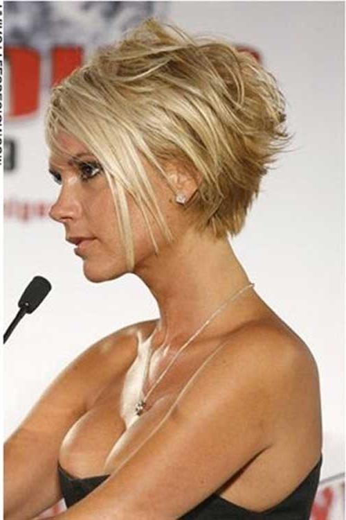 20 Victoria Beckham Short Bob (View 1 of 15)