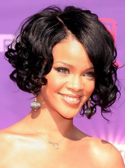 21 Stylish And Glamorous Curly Bob Hairstyle For Women – Hottest Pertaining To Fashionable Rihanna Side Swept Big Curly Bob Hairstyles (View 5 of 15)
