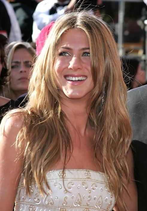 Aniston Long Hairstyle Wavy Hair Wiht Center Part Throughout Jennifer Aniston Long Hairstyles (View 14 of 15)
