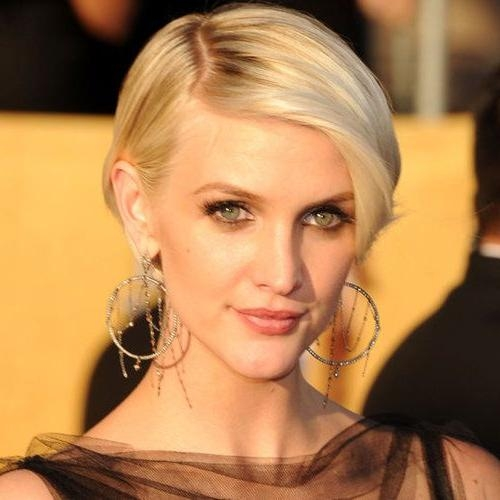 Ashlee Simpson Intended For Popular Ashlee Simpson Graduated Bob Hairstyles (View 12 of 15)