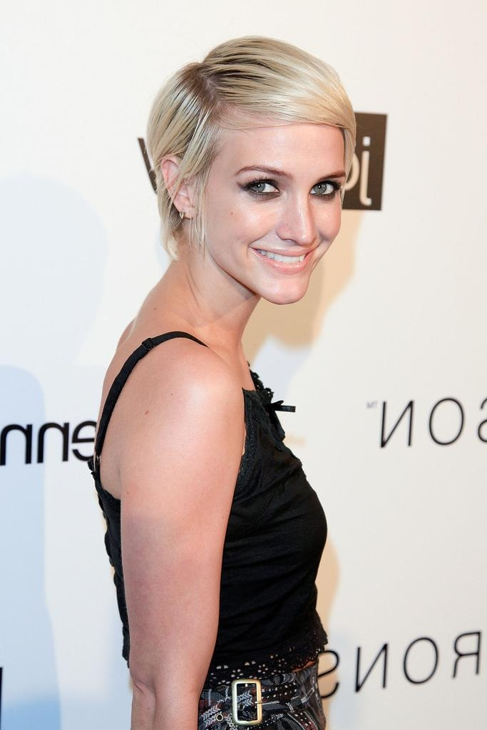 Ashlee Simpson Short Haircut No Fuss For Women Pretty Pertaining To Well Known