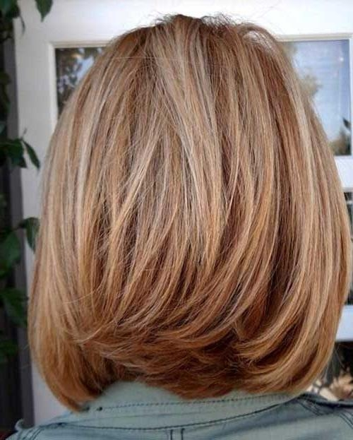 Featured Photo of Medium Layered Bob Hairstyles