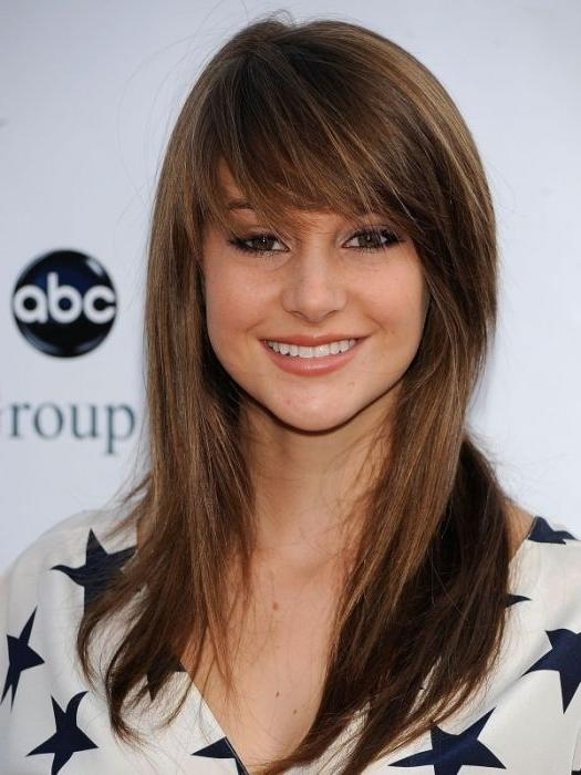 Best And Newest Long Hairstyles With Fringe And Layers Within Long Layered Haircut With Bangs (View 7 of 15)