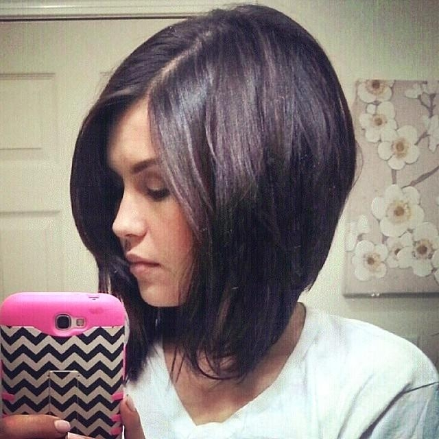 Bob Haircut With Side Bangs – Hairstyle Foк Women & Man For Most Recent Medium Bob Hairstyles With Side Bangs (View 3 of 15)