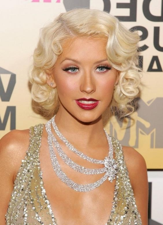 Christina Aguilera Hairstyles – Celebrity Latest Hairstyles 2016 With Most Recent Christina Aguilera Shoulder Length Bob Hairstyles (View 6 of 15)
