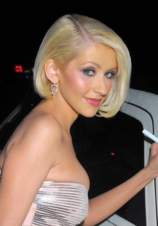 Christina Aguilera Hairstyles – Celebrity Latest Hairstyles 2016 With Regard To Newest Christina Aguilera Shoulder Length Bob Hairstyles (View 7 of 15)