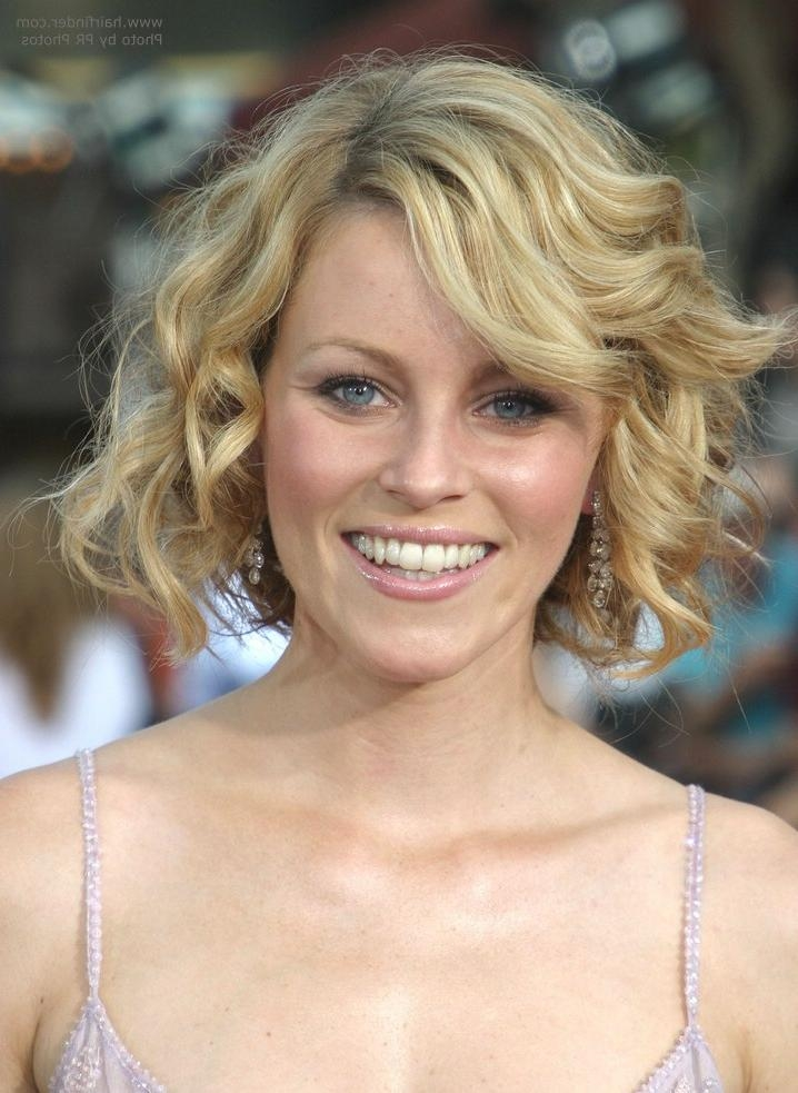 Curled Mid Neck Length Bob Hairstyle With Inside Well Known Elizabeth Banks Shoulder Length Bob Hairstyles (View 3 of 15)